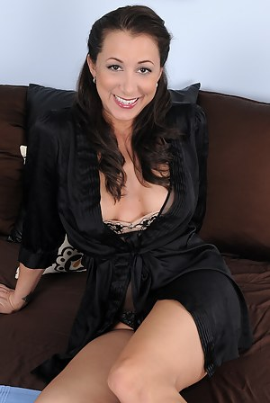 Free Mature Latina Porn Pictures