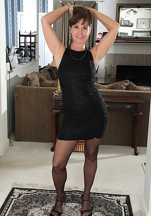 Free Mature Stockings Porn Pictures