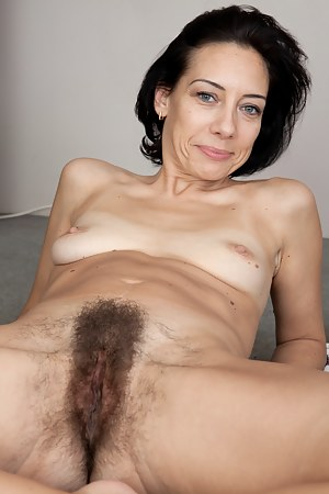 Free Hairy Mature Porn Pictures